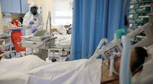 Doktor Tomasz Karauda o tym, jak przechodzi chorobę COVID-19