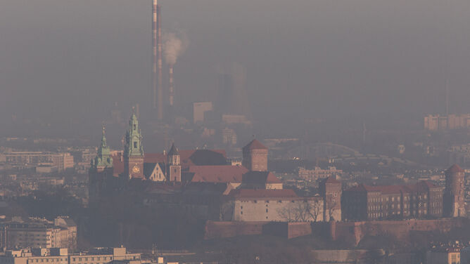 Smog truje mieszkańców Krakowa. <br />Jest źle, miejscami fatalnie